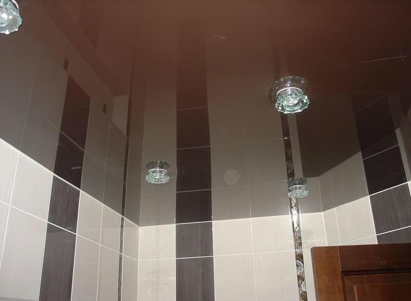 Як і яку стелю зробити у ванній 2
