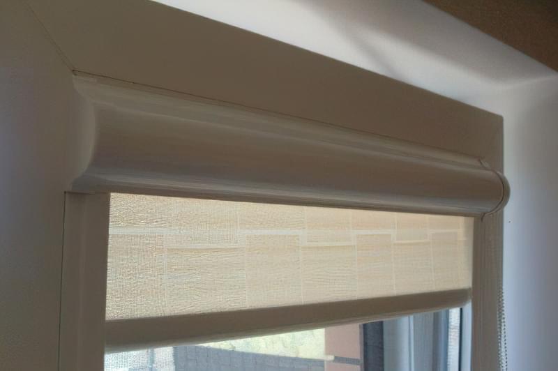 рулонні штори установка