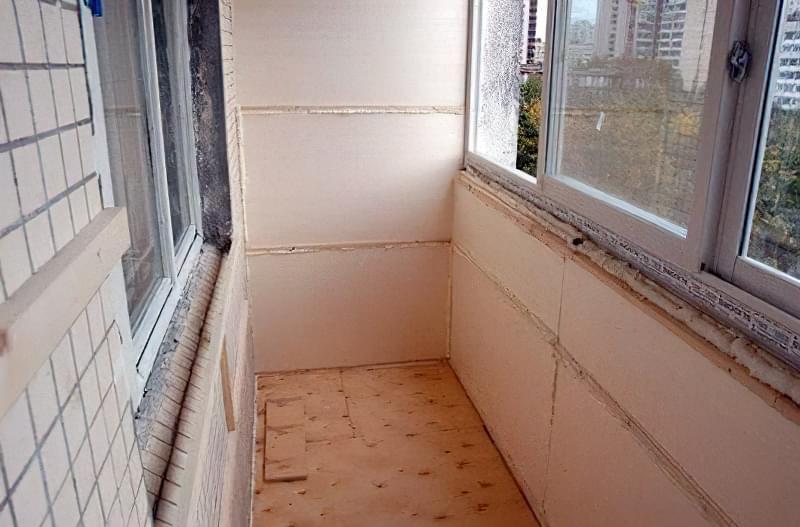 теплий балкон без кота
