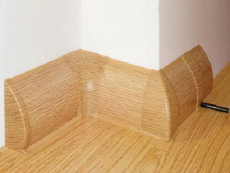 Пластиковий плінтус для ванної