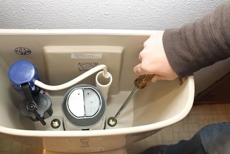ремонт зливного бачка для унітазу