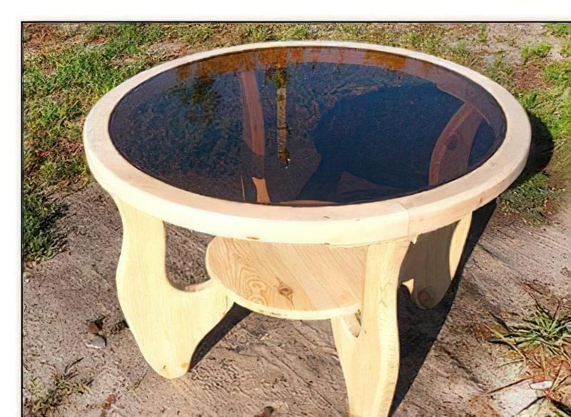 Дерев'яний стіл зі скляним верхом 47