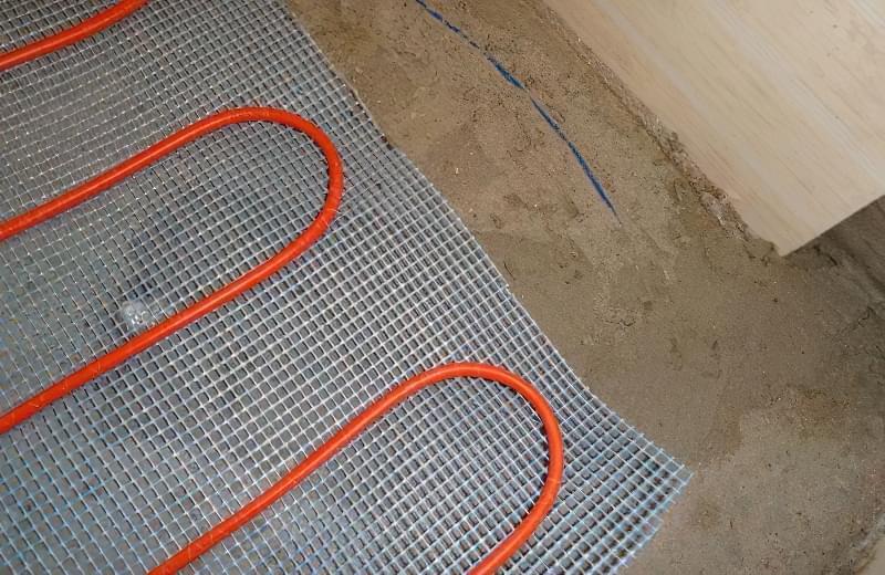 Фото №5 В даному випадку датчик встановлений неточно (занадто близько до кабелю), а потрібно посередині між сусідніми петлями