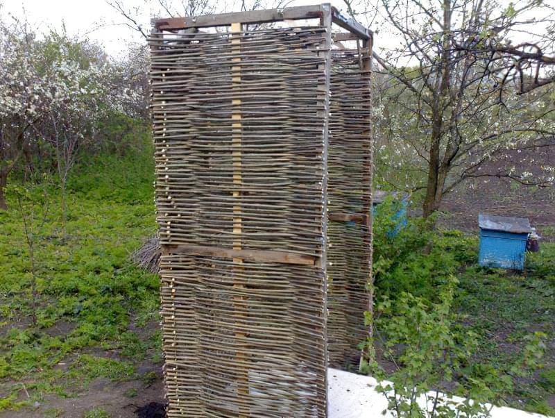Фото №19 Просто, недорого і красиво - дерев'яний каркас, обшитий вербової лозою