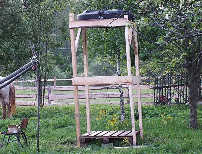 Фото №2-3 Літній душ з кабінкою з бруса і дощок1