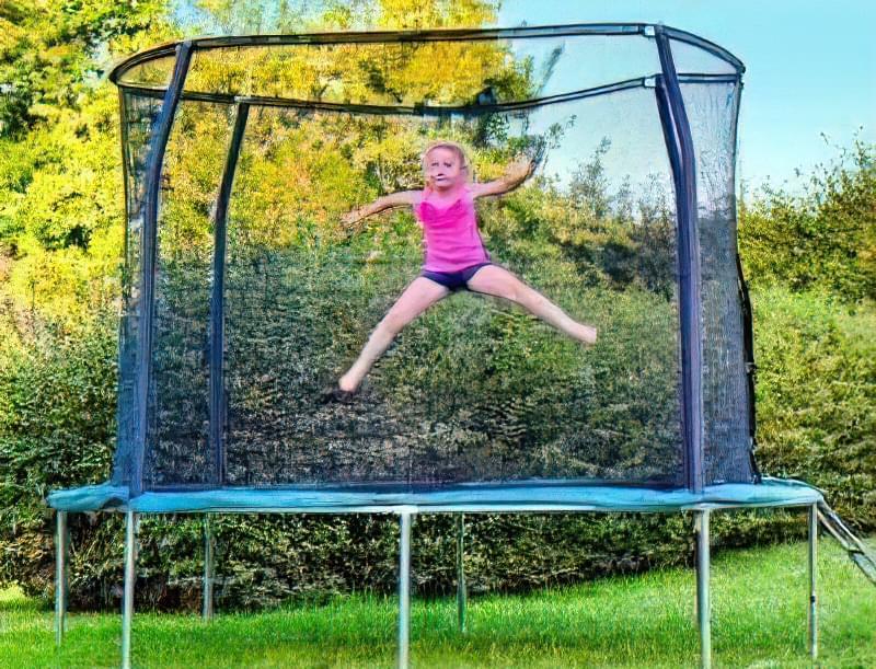 Який дитячий батут на дачу краще вибрати? 72