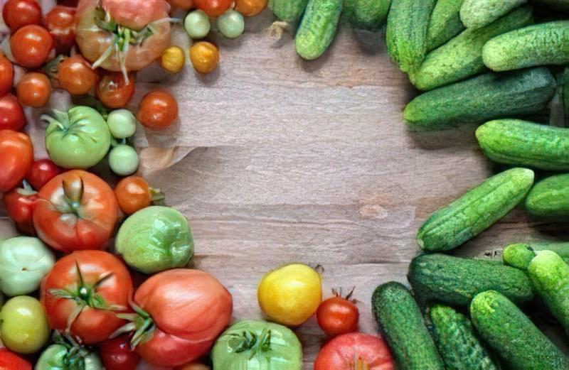 Як зробити шпалери для огірків і помідорів1
