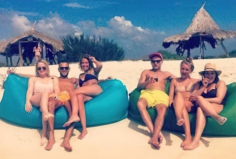 ламзак на пляжі з поліестеру