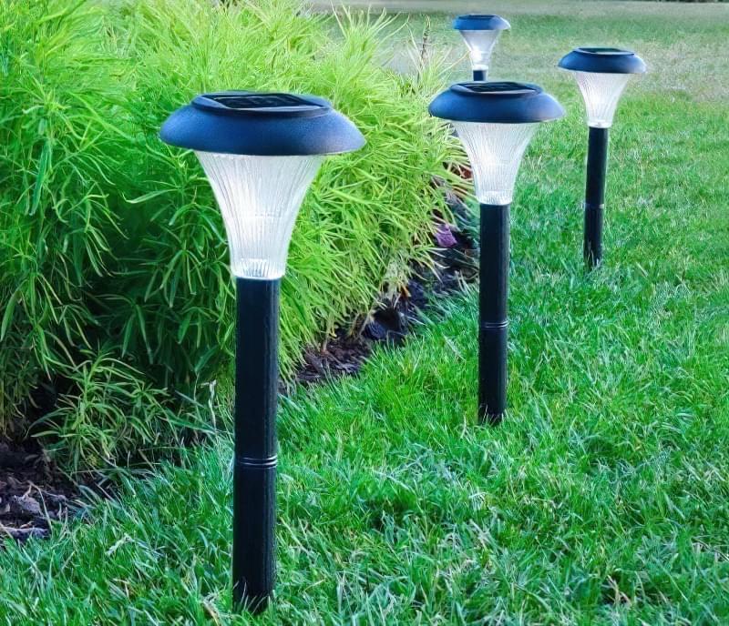 ліхтарі на сонячних батареях