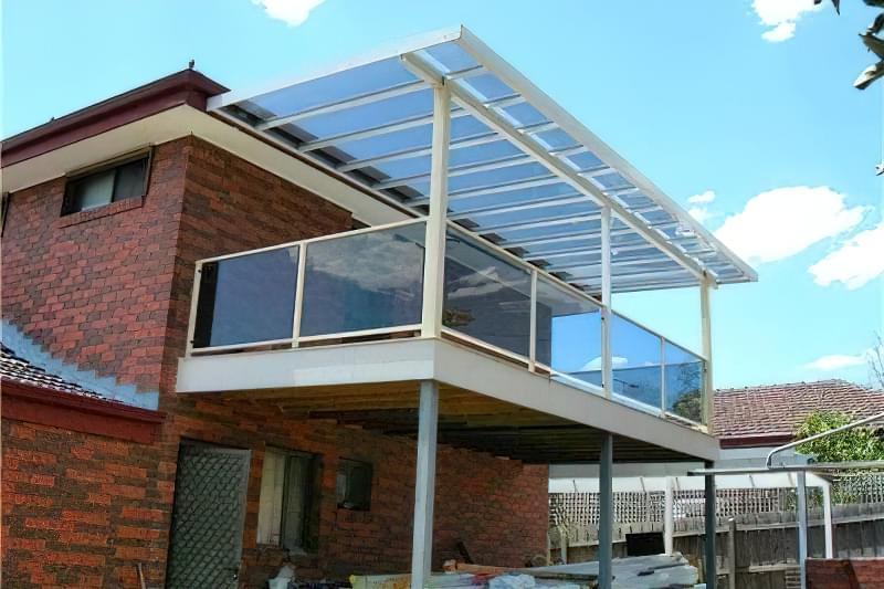 Двоповерхова тераса - солярій і сонцезахисний навіс