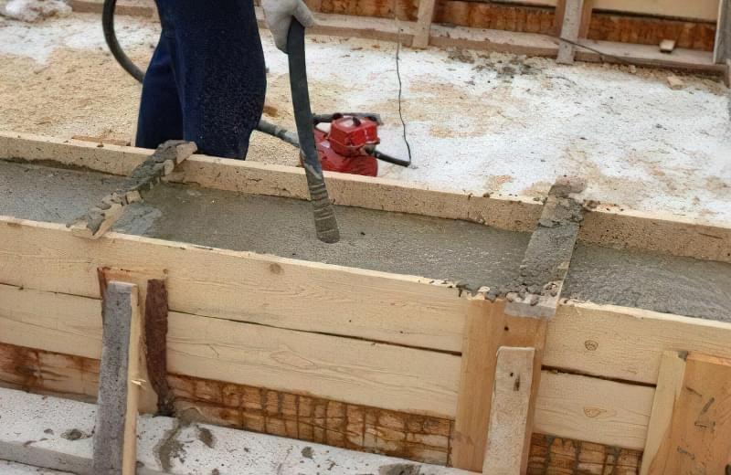 вібратор для бетону.jpg4