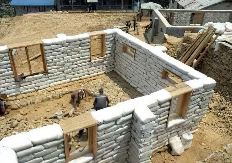 Будинки з мішків з землею і піском - Екотехнологія Earthbag 1