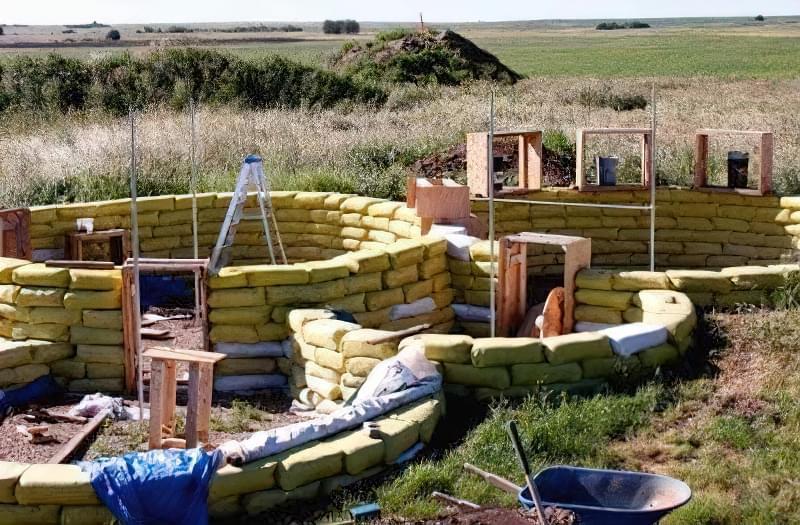 Будинки з мішків з землею і піском - Екотехнологія Earthbag2353454