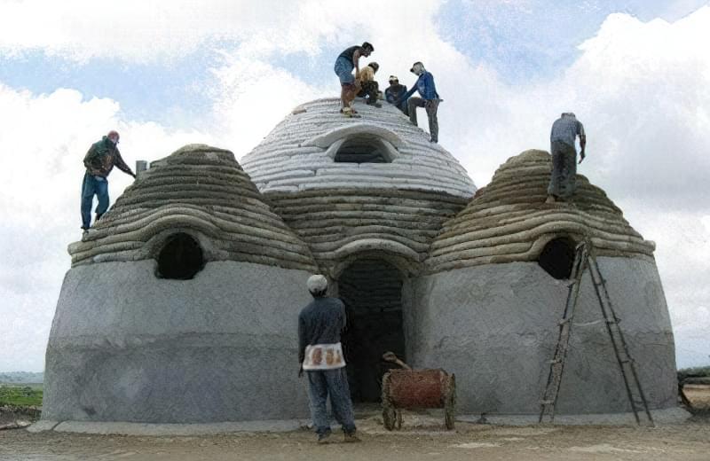 Будинок з мішків купольної форми - надійно і красиво
