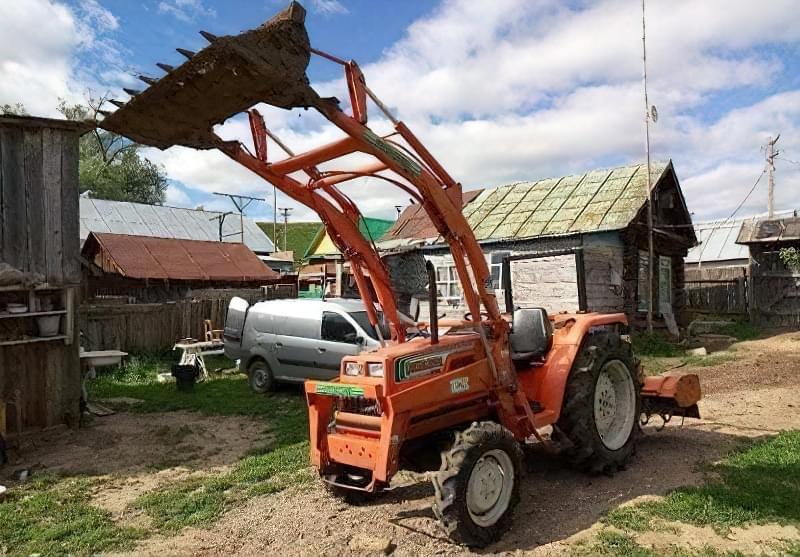 Багатофункціональний мінітрактор - надійний помічник в полі, в саду і на будівництві