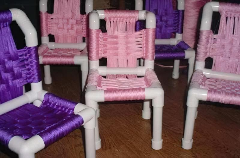 стілець з труби
