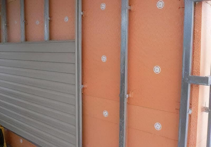 chym-uteplyty-fasad-budynku1