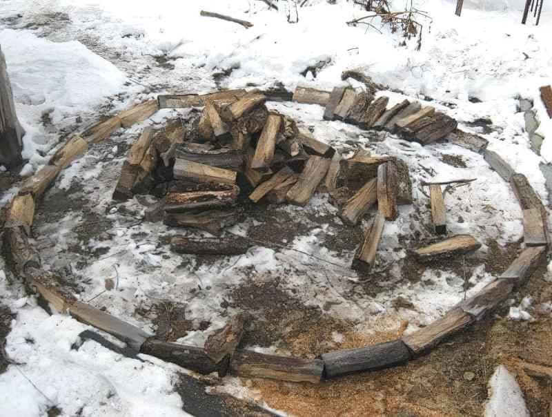 Способи укладання дров на ділянці: як скласти стіс своїми руками? 4