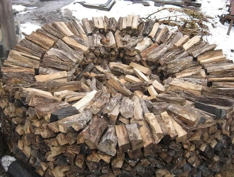 Способи укладання дров на ділянці: як скласти стіс своїми руками? 7