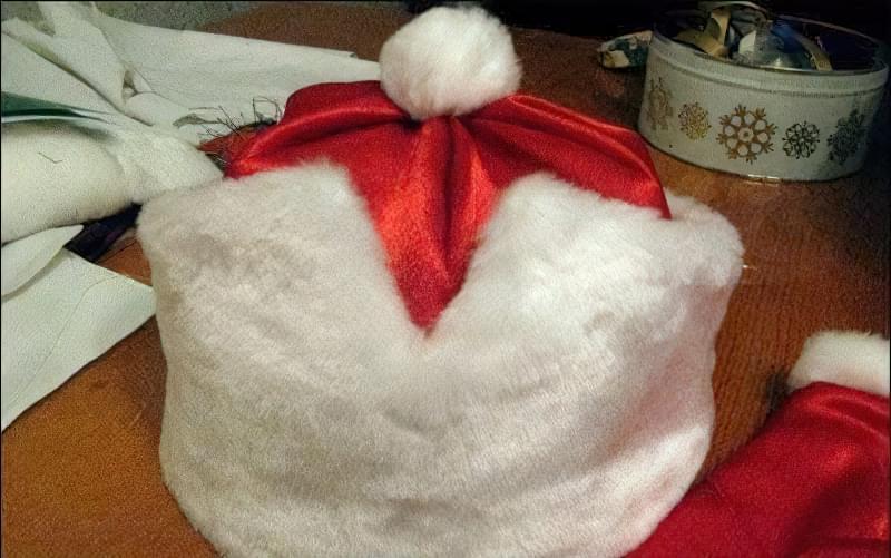 Шапка і рукавиці Діда Мороза своїми руками