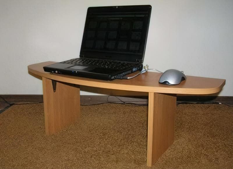 Ідеї для створення підставок і столиків під ноутбук своїми руками 9