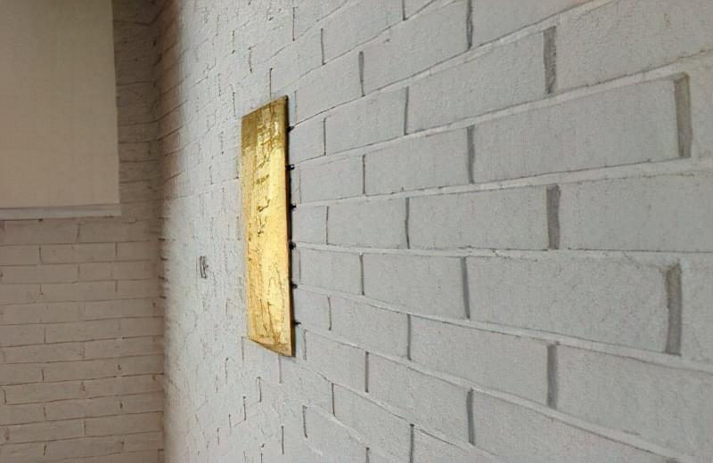 Імітація цегли штукатуркою: обробляємо стіни під цеглу своїми руками 32