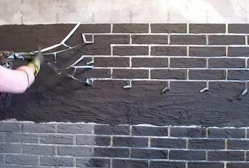 Імітація цегли штукатуркою: обробляємо стіни під цеглу своїми руками 11