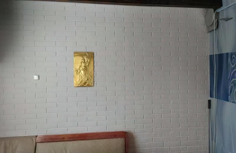 Імітація цегли штукатуркою: обробляємо стіни під цеглу своїми руками 3