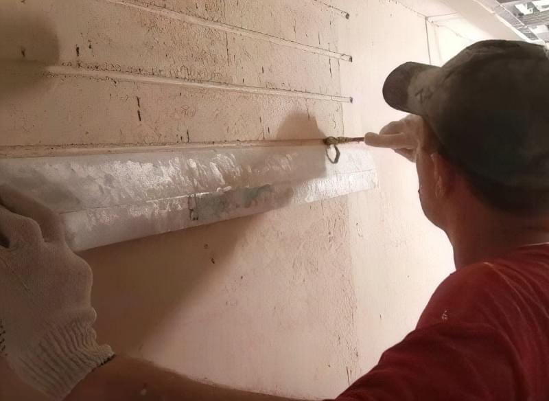Імітація цегли штукатуркою: обробляємо стіни під цеглу своїми руками 8