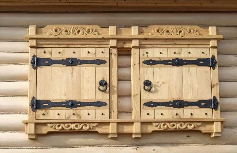 Одностулкові дерев'яні віконниці