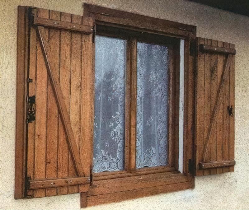 Двостулкові дерев'яні віконниці – «класика жанру»