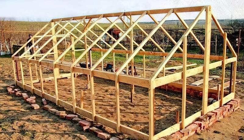 будівництво каркаса теплиці