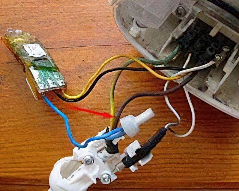 З'єднання проводів ковпачковим з'єднувачем