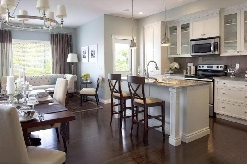 Інтер'єр і планування кухні-вітальні в приватному будинку: популярні дизайнерські рішення 10