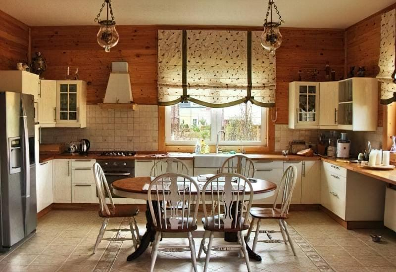 Інтер'єр і планування кухні-вітальні в приватному будинку: популярні дизайнерські рішення 12