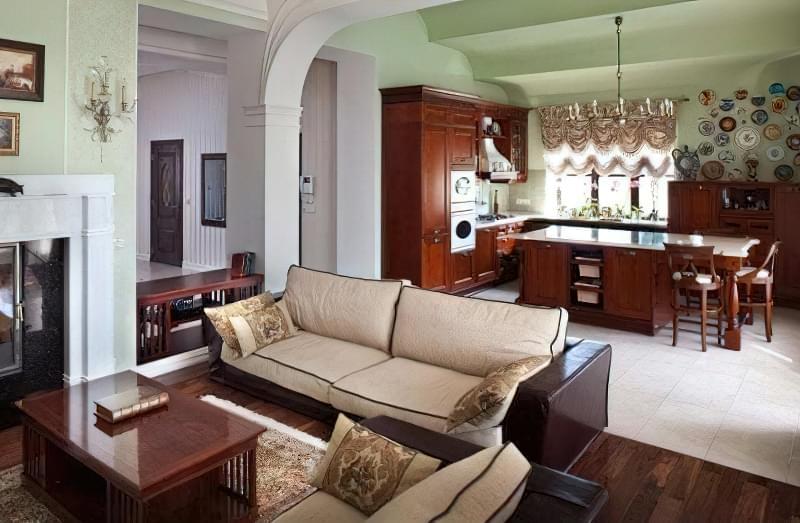 Інтер'єр і планування кухні-вітальні в приватному будинку: популярні дизайнерські рішення 19