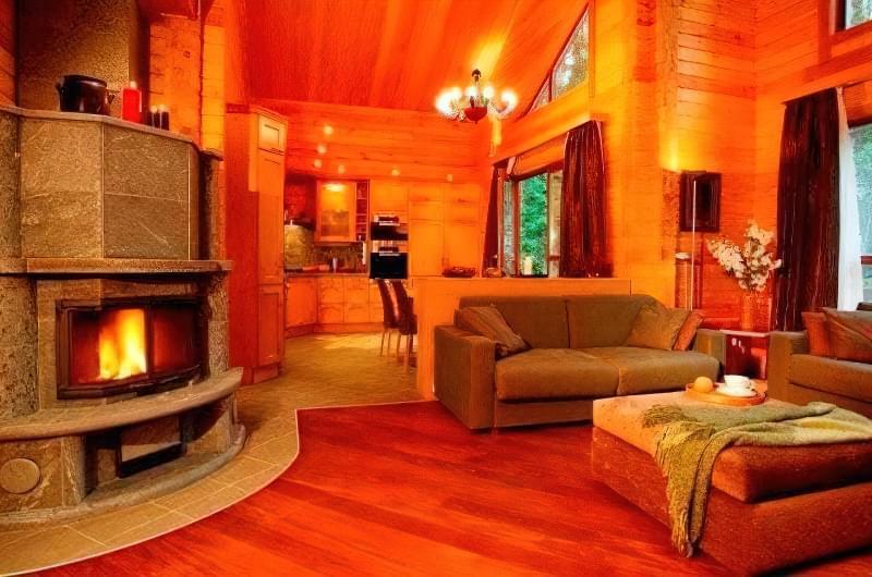 Інтер'єр і планування кухні-вітальні в приватному будинку: популярні дизайнерські рішення 24