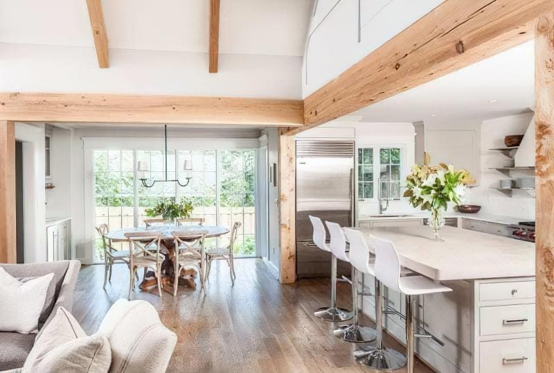 Інтер'єр і планування кухні-вітальні в приватному будинку: популярні дизайнерські рішення 7