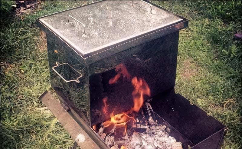 горячеее копчення на мангалі