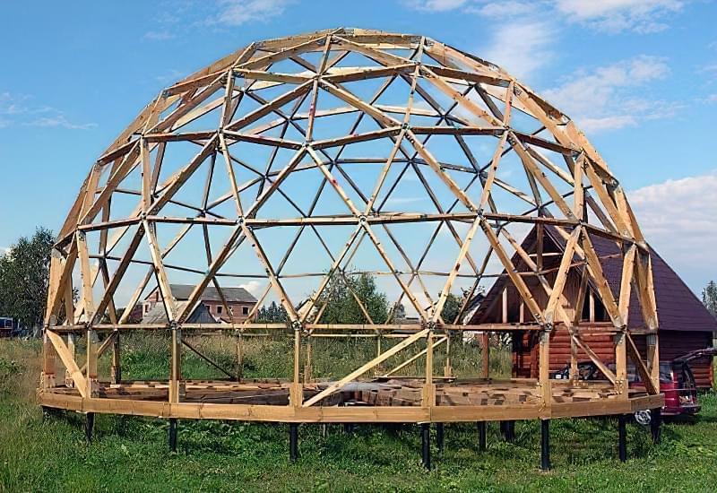 Каркас будинку на основі геодезичного купола