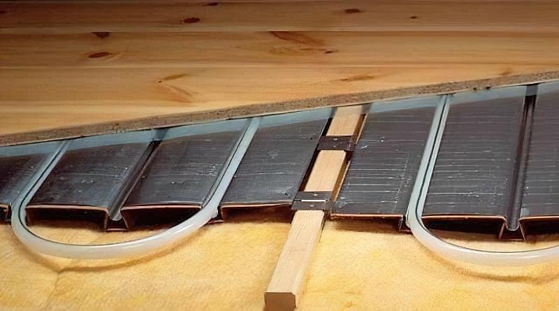 Як зробити теплу підлогу в дерев'яному будинку: варіанти пристрою і монтажу 3