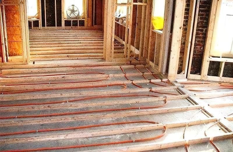 Як зробити теплу підлогу в дерев'яному будинку: варіанти пристрою і монтажу 11