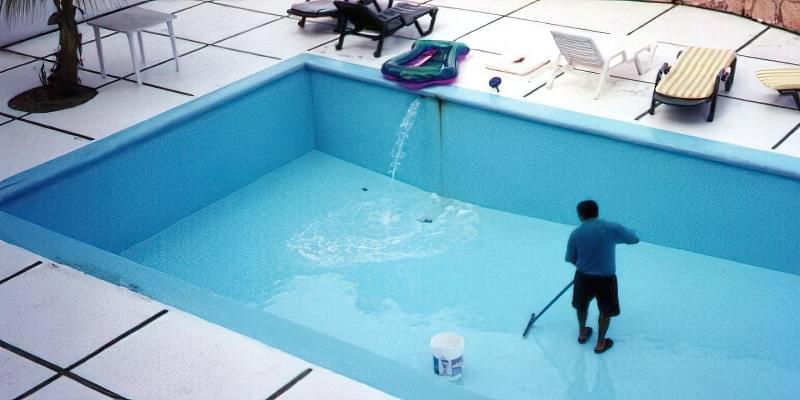 Грамотний догляд за басейном 2