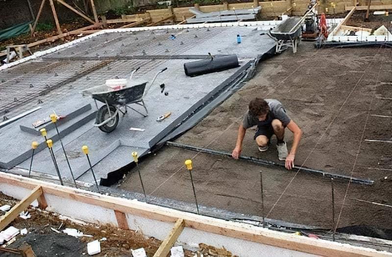 Підлога по грунту в приватному будинку: технологія підготовки і заливки 3
