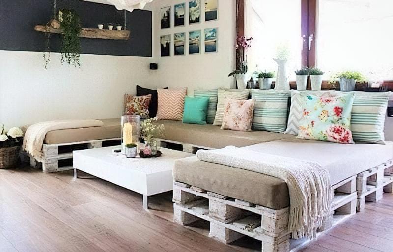 Бюджетне ліжко — ліжко з піддонів своїми руками: ідеї і майстер-клас 14