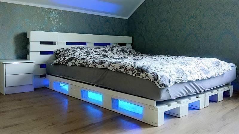 Бюджетне ліжко — ліжко з піддонів своїми руками: ідеї і майстер-клас 15