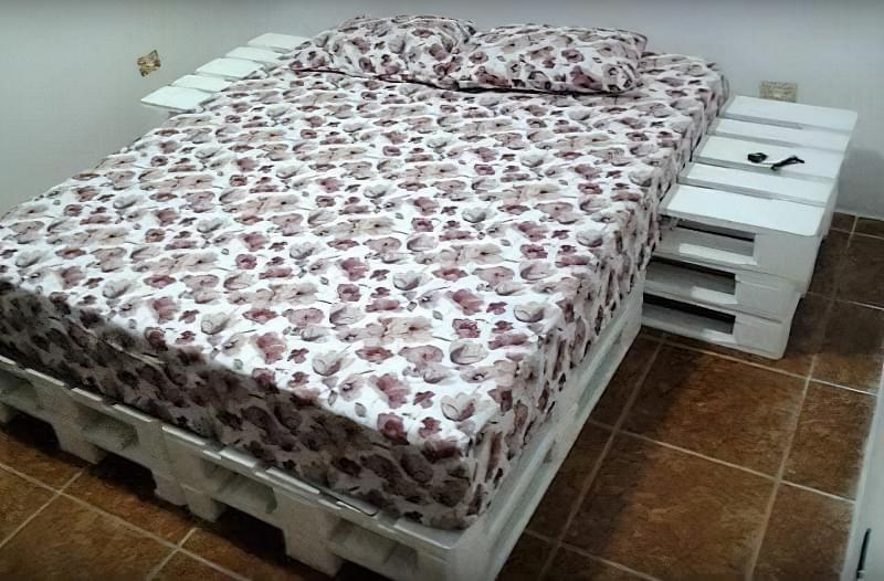 Бюджетне ліжко — ліжко з піддонів своїми руками: ідеї і майстер-клас 26