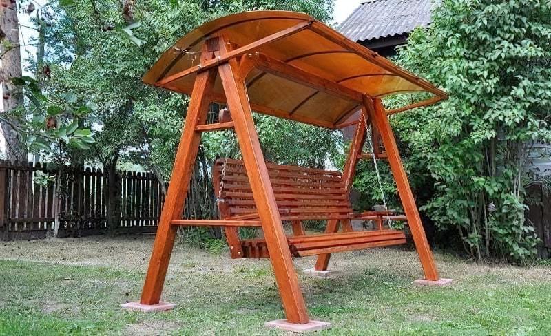 Як зробити садові качелі з дерева: ідеї для натхнення і інструкції по виготовленню 11