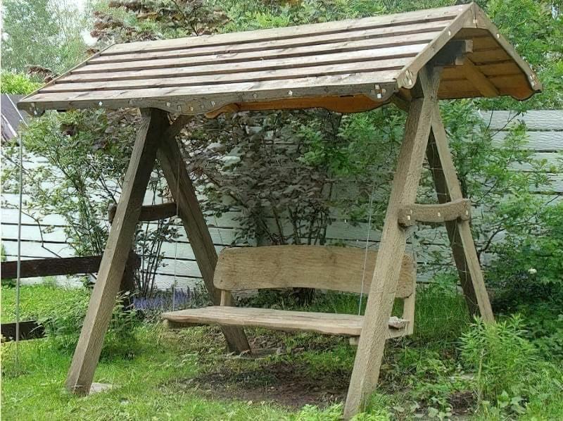 Як зробити садові качелі з дерева: ідеї для натхнення і інструкції по виготовленню 7