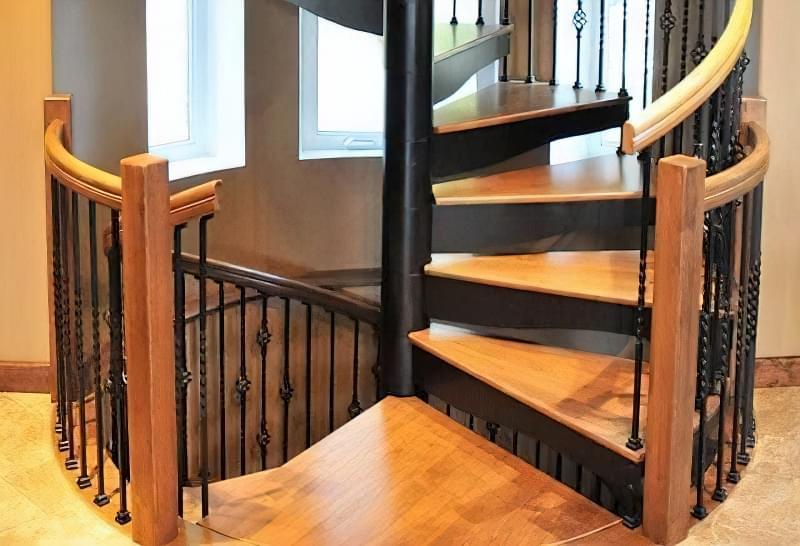 Гвинтові сходи на другий поверх 12